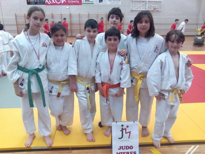 Los Alevines del CLub Judo Mieres.jpg