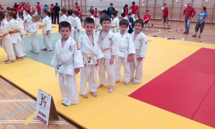 Los Benajamines del Judo Mieres en la presentacion